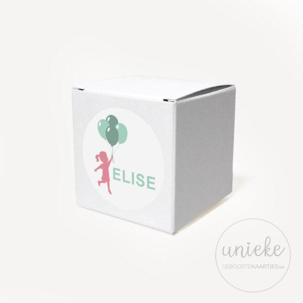 Stickertje Elise op wit doosje