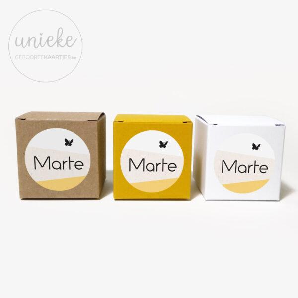 Assortiment doosjes bij stickertje Marte
