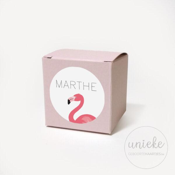 Stickertje Marthe op lichtroze doosje