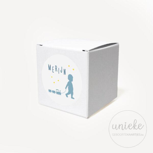 Stickertje Merijn op wit doosje