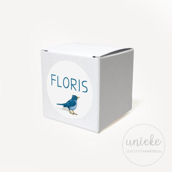 Stickertje Floris op wit doosje