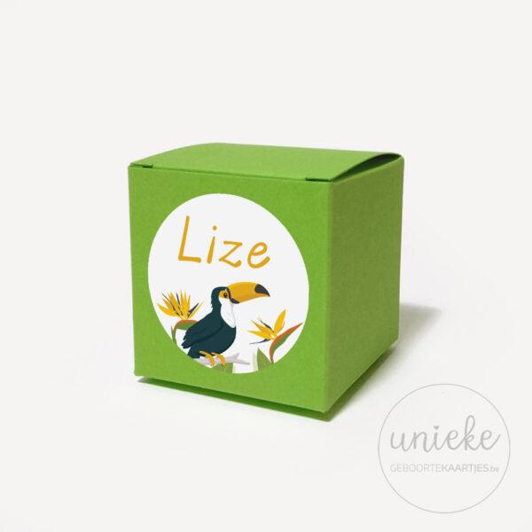 Groen doosje met stickertje van Lize