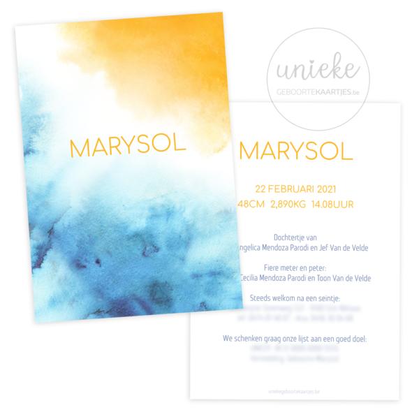 Voorkant en achterkant van het geboortekaartje van Marusol